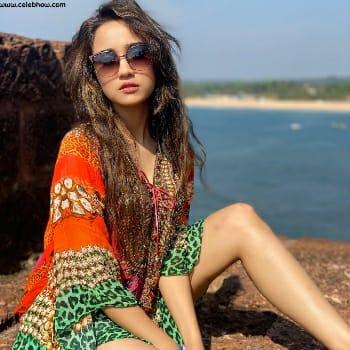 Ashi Singh photo