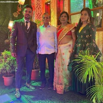 Oye Indori family